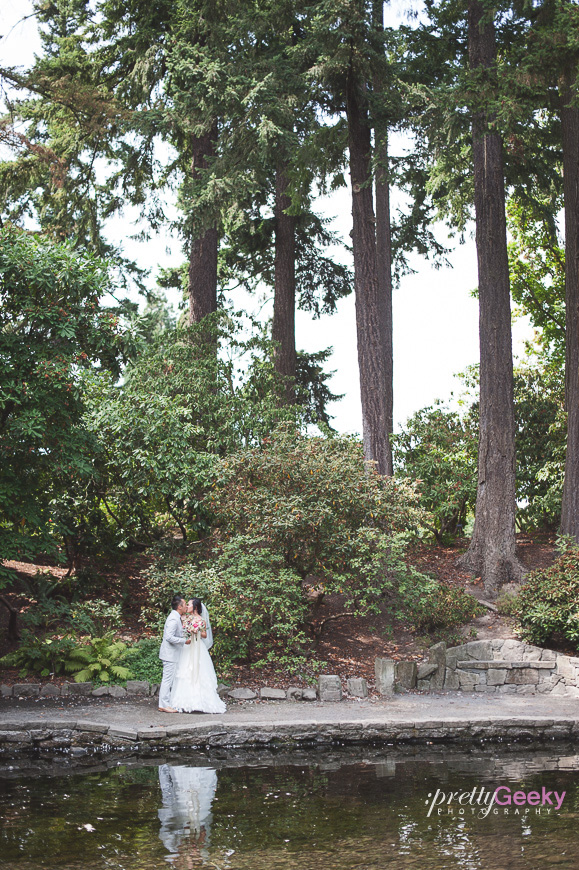 crystal springs rhododendron garden wedding photo 033 Portland Wedding: Evelyn + Jerry